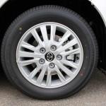 新型VOXY ガソリンV タイヤ