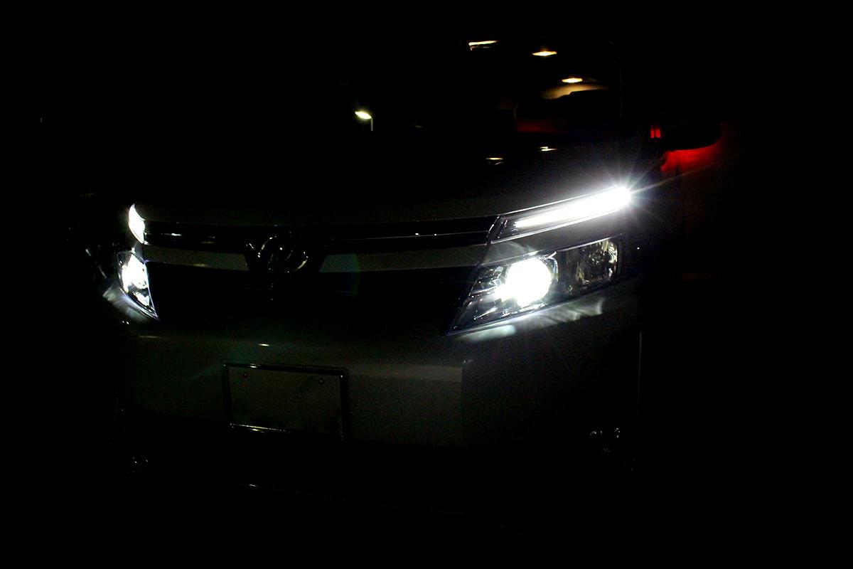 VOXY LEDライト